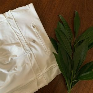 lululemon athletica Pants - White Lululemon Long Cropped Legging Size 6